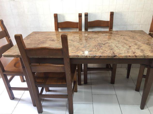 Soggiorno completo escluso tavolo e sedie