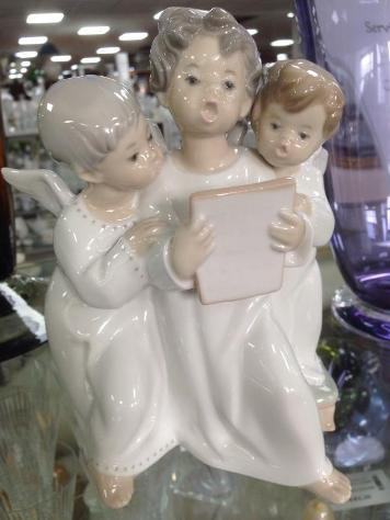 Statuina lladro' coro angeli