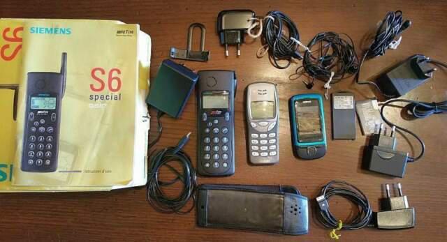 Stock di 3 cellulari storici gsm usati non funzionanti