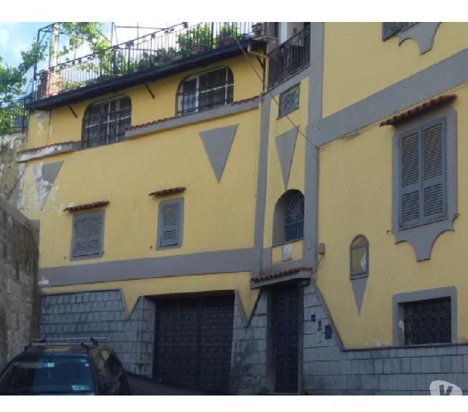 Villa trifamiliare a quisisana