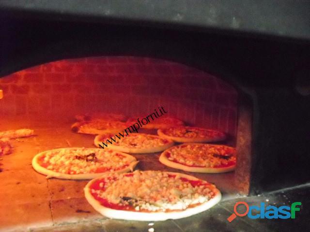 Pizza food truck forno a legna omologata