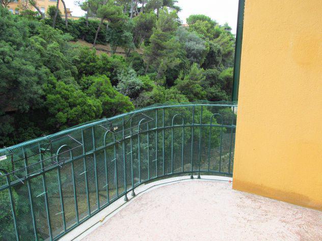5 ampi vani con balcone vivibile