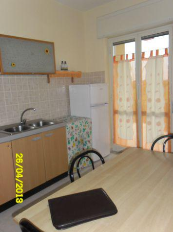 Appartamentino arredato ben rifinito con ampia balconata