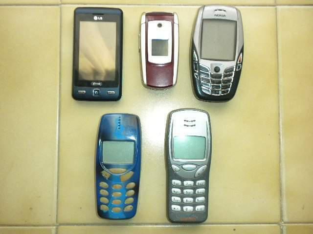 Nokia 3210 3330 8210,lg kp501 + accessori