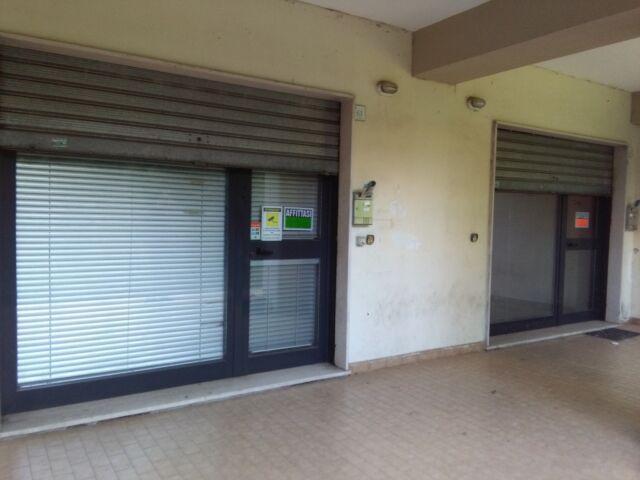 2 locali uso ufficio o magazzino nuovissimi in zona centrale
