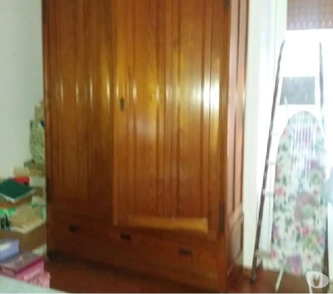 Armadio di legno primi 900