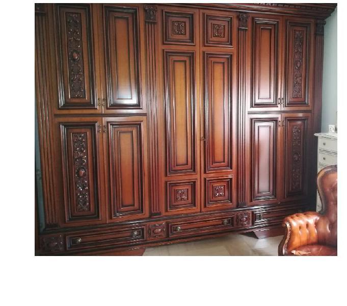Camera da letto in legno massello di ottima fattura