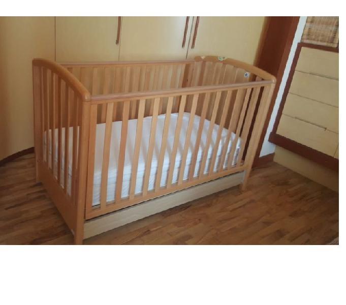 Lettino bambino in buone codizioni completo di materasso