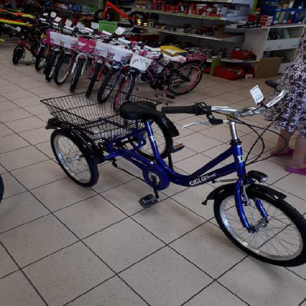 Nuova bicicletta tre ruote con cambi