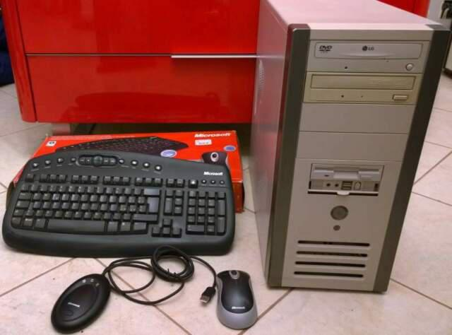 Pc fisso + mouse & tastiera wireless