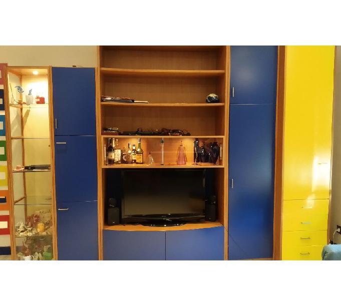 Vetrine Ikea Mobili Soggiorno Componibili.Mobile Vetrina Componibili Offertes Gennaio Clasf