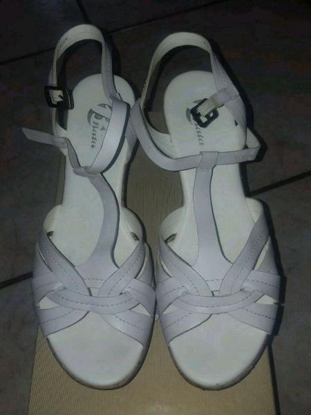 Sandalo bata