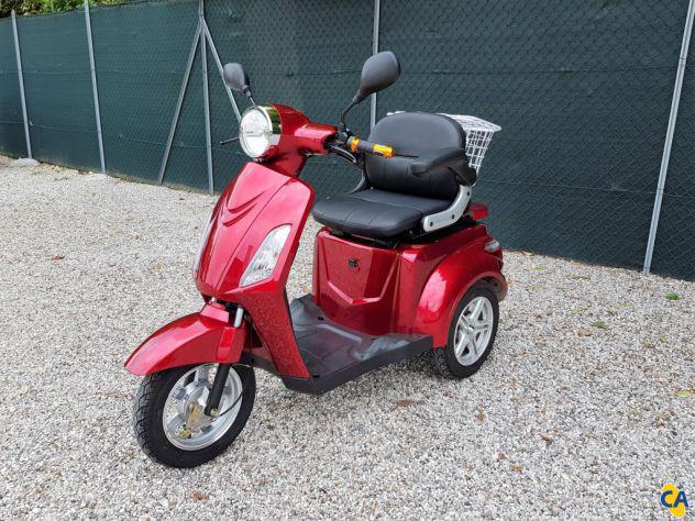 Scooter elettrico senza patente trilux