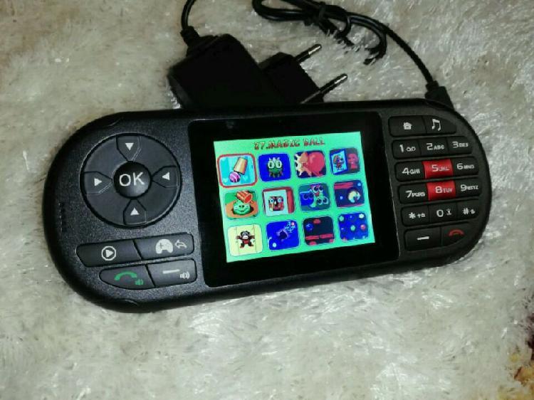 Telefono dual sim con fotocamera e console giochi