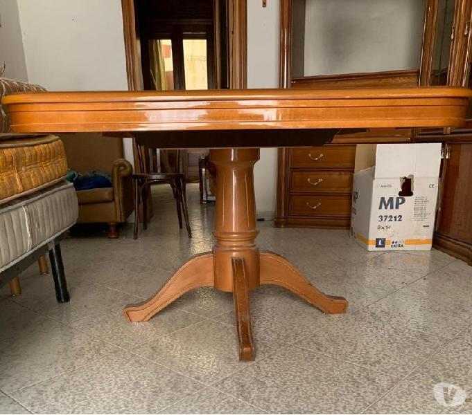 Vendo tavolo da cucina senza sedie