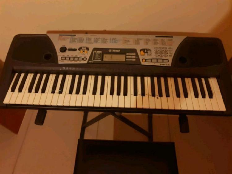 Tastiera elettronica in bianco e nero