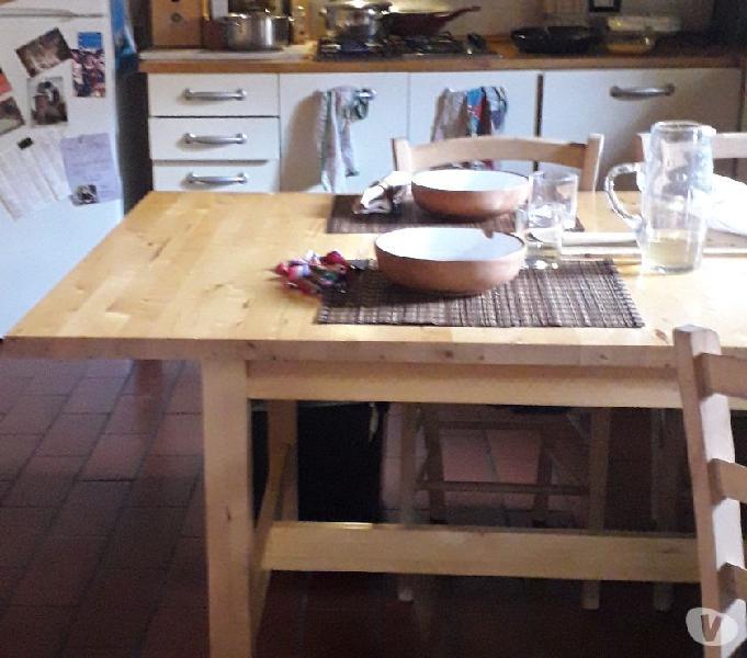 Tavolo 8 posti legno chiaro