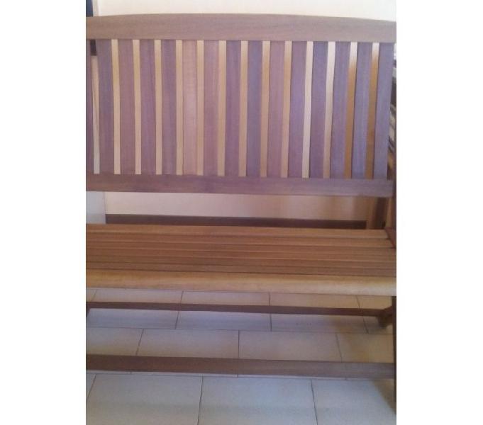 Vendo panchina in legno a 2 posti come nuova