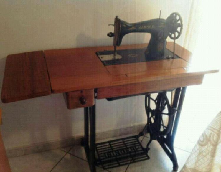 Singer macchina da cucire + tavolino