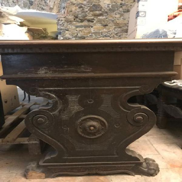 Tavolo in legno intersiato
