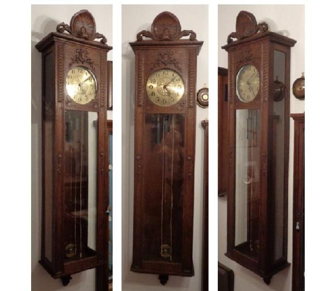 Antico e grande orologio a pendolo da parete = funzionante