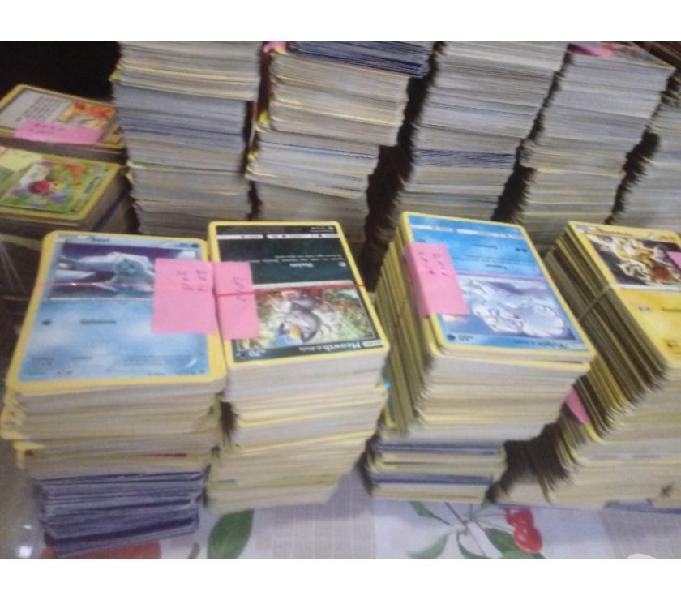 Lotto di carte pokemon anche buste e mazzi