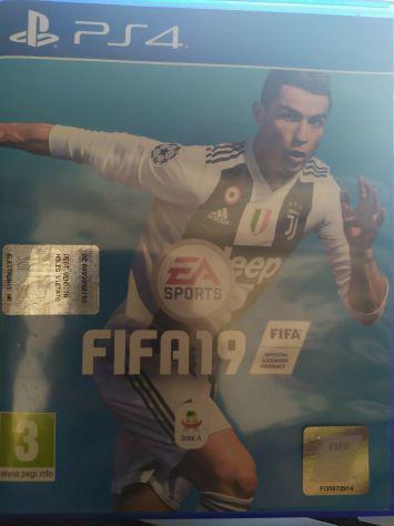 LOTTO VIDEOGIOCHI PS4 (VENDIBILI SEPARATAMENTE) FIFA19