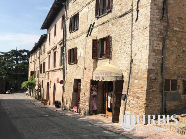 Locale commerciale assisi - via borgo san pietro