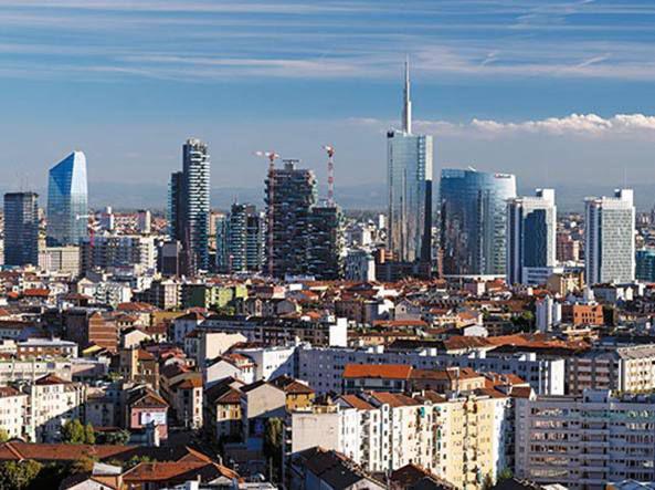 Milano centro storico negozio 500mq € 4.200.000.