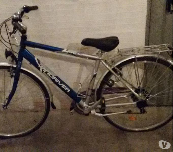 Vendo o scambio con bicicletta da donna pari requisiti