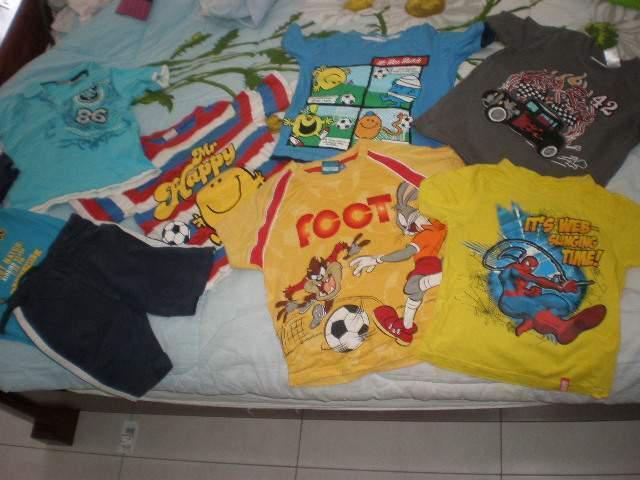 Lot 6 magliette + due completi 4 anni