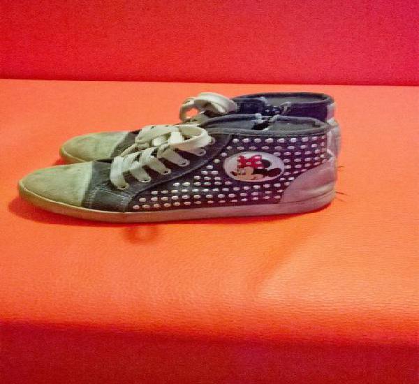 Sneaker n.30