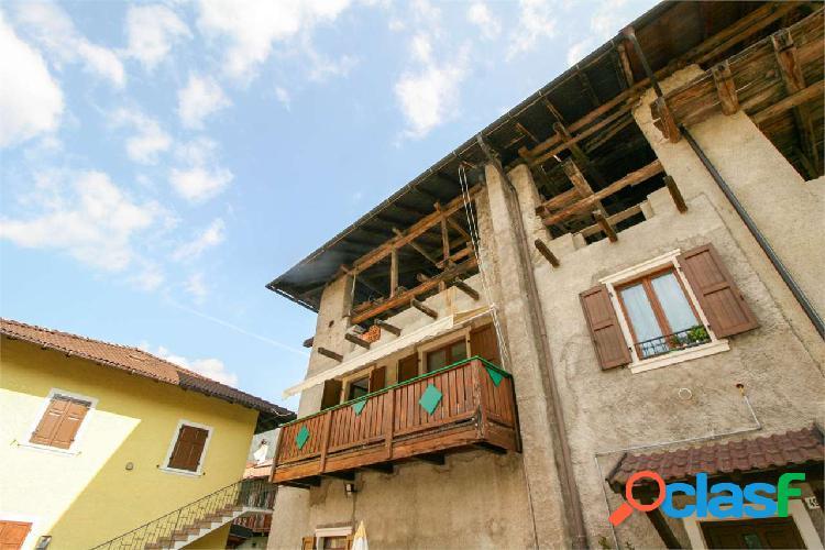 Comano Terme, grande mansarda da restaurare 2