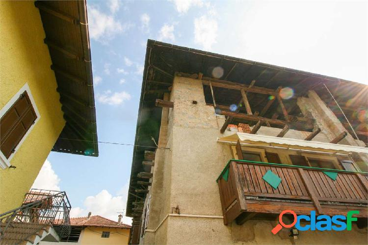 Comano Terme, grande mansarda da restaurare 3