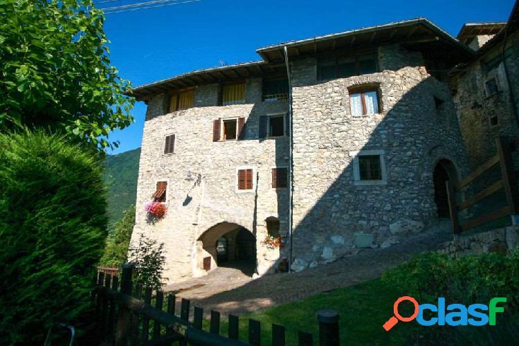 Trilocale in casa storica ville del monte