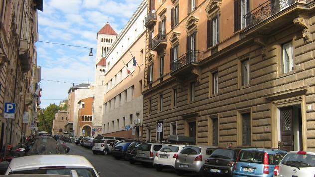 Centro storico - ufficio 5 locali € 2.700 ua503