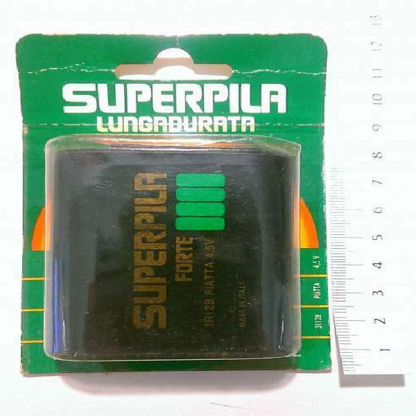 Batteria superpila piatta nuova sigillata