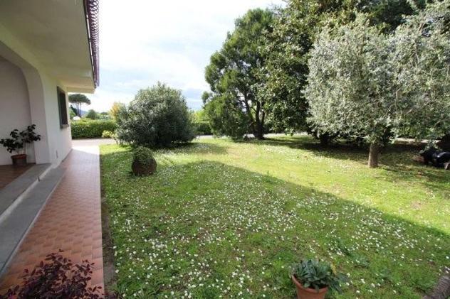 Villetta bifamiliare in vendita a carraia - capannori 140 mq