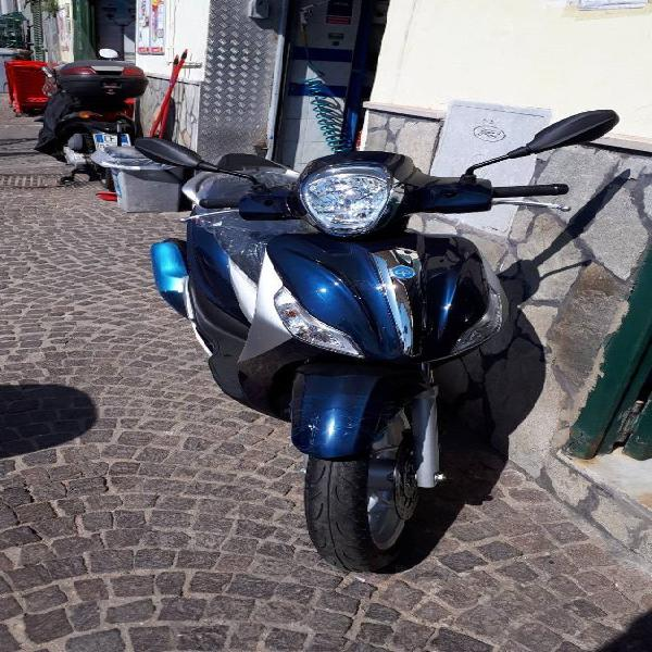 Piaggio Medley i-get 125 ABS (2016 - 19) nuova a Napoli