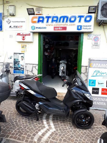Piaggio Mp3 300 Hpe (2019) nuova a Napoli