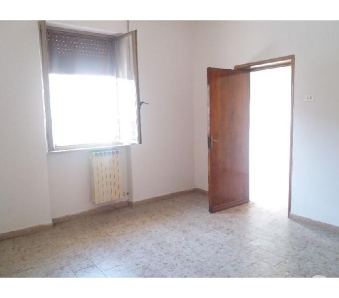 Zva0442 appartamento piano terra con giardino