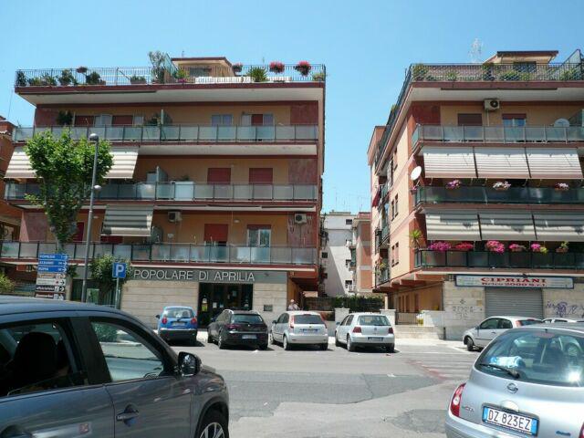 Torvaianica centro appartamento affaires gennaio clasf for Appartamento affitto aprilia arredato