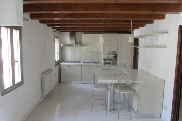 Appartamento in centro storico a chioggia (ve)