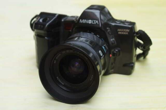Fotocamera minolta maxxum 8000i(dynax) con obiettivo