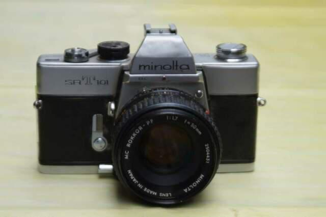 Fotocamera reflex minolta srt 101 con obiettivo