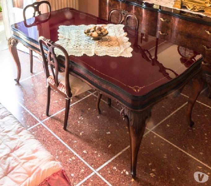Tavolo in stile barocco