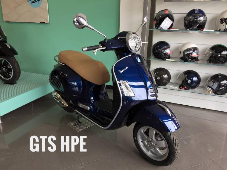 Vespa GTS 300 Hpe (2019) nuova a Brugherio