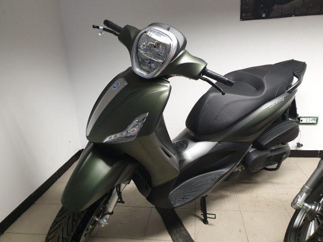 Piaggio 350 ST