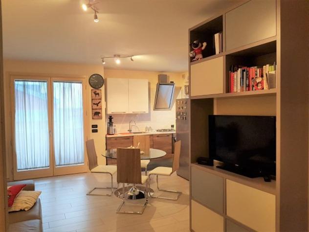 Appartamento di 53 m² con 2 locali e box auto in affitto a