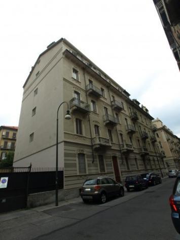 Appartamento di 90 m² con 3 locali in affitto a torino